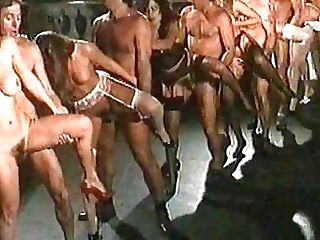 Vintage bisexuelle orgie porno videos foto 4