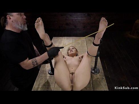 Bondage in einer box mickeyx foto 2