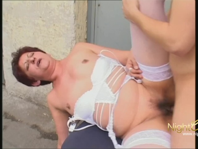 Oma pov ficken porno foto 1