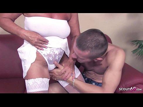 Jackie ashe bekommt eine tushy massage