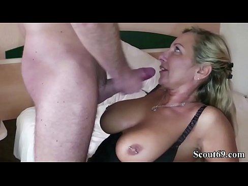 Khalifa mia blowjob porno