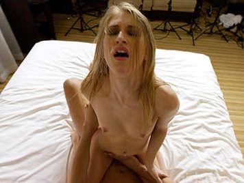 Süße blonde casting couch foto 1