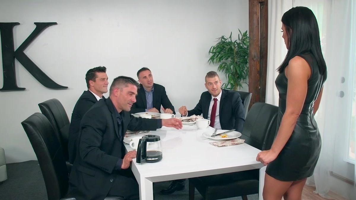 Büro bukkake gangbang porno foto 2