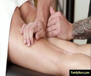 Frau in massage ausgetrickst dann ficken foto 1