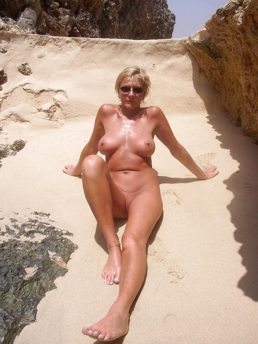 schwarze frauen nackt am strand