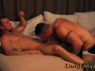 Muskel hunk solo hotntubes porno foto 1