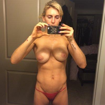 Frauen nackt bilder Wwe Nacktofoto
